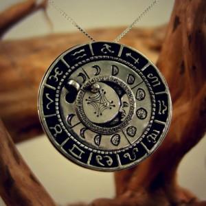 wiccan gift - moon pendant ka gold